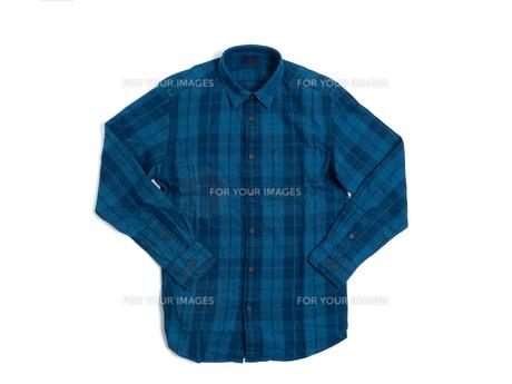 メンズの長袖シャツの写真素材 [FYI01193765]