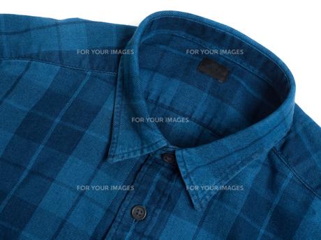 メンズの長袖シャツの写真素材 [FYI01193773]