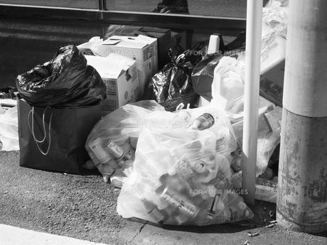 ゴミの集積所の写真素材 [FYI01193849]