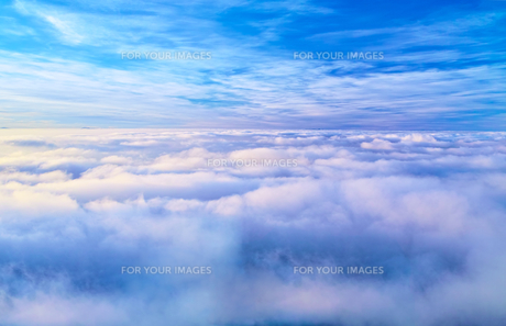 八方尾根から見た雲海の写真素材 [FYI01195654]