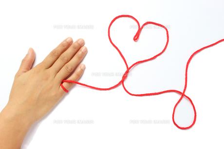 運命の赤い糸の写真素材 [FYI01195785]