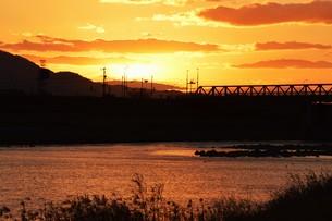 川面の抽象・筑後川 / 九州福岡県朝倉市の写真素材 [FYI01196990]