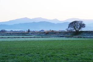 日本の風景・遠くで汽笛を聞きながら / 九州福岡県朝倉市の写真素材 [FYI01197001]