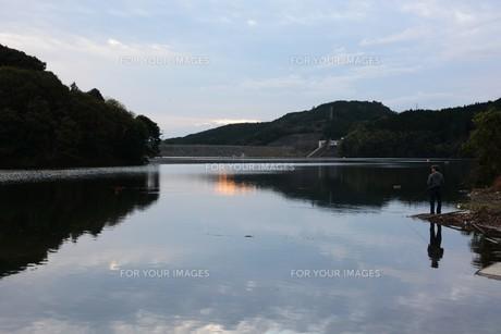 日本の風景・遠くで汽笛を聞きながら / 九州福岡県朝倉市の写真素材 [FYI01197007]
