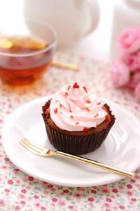 カップケーキと紅茶の写真素材 [FYI01197196]
