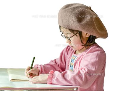 勉強する女の子の写真素材 [FYI01197212]