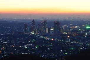 朝を迎える地方都市の写真素材 [FYI01197511]