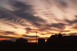 日本の風景・夕暮れのシルエット / 九州福岡県朝倉市の写真素材 [FYI01197555]