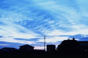 日本の風景・夕暮れのシルエット / 九州福岡県朝倉市の写真素材 [FYI01197556]