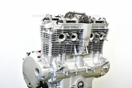 大型バイクのエンジン整備の写真素材 [FYI01197681]