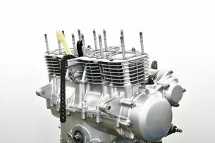 大型バイクのエンジン整備の写真素材 [FYI01197682]