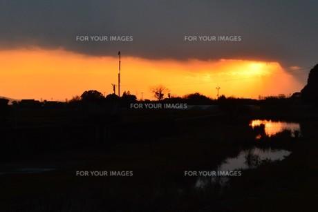 日本の風景・夕景シルエットの写真素材 [FYI01197685]