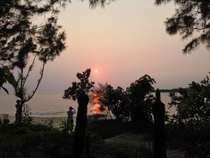 沖縄の黄昏時2の写真素材 [FYI01197990]
