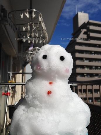 ベランダ雪だるまの写真素材 [FYI01198248]