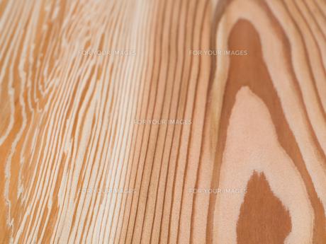 木目のきれいなスギ板の写真素材 [FYI01198697]