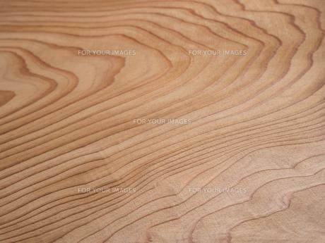 木目のきれいなスギ板の写真素材 [FYI01198702]