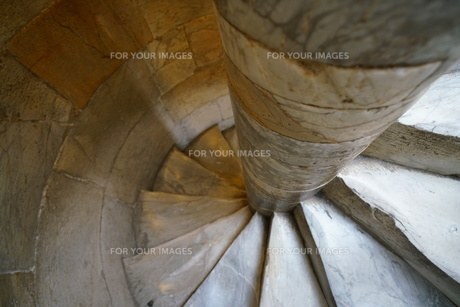 ピサの斜塔のらせん階段の写真素材 [FYI01198781]