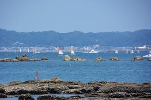 夏の湘南コースト・神奈川県 葉山海岸の写真素材 [FYI01199383]
