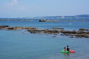 夏の湘南コースト・神奈川県 葉山海岸の写真素材 [FYI01199385]