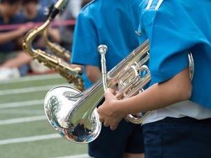 小学校のマーチングバンドの写真素材 [FYI01199407]