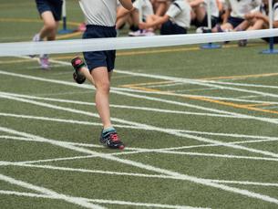 徒競走のゴールの写真素材 [FYI01199411]