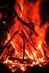 大磯左義長・重要無形民俗文化財 火祭りの写真素材 [FYI01199516]