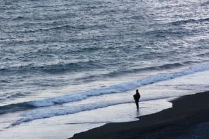 日本の風景・冬の海岸線(湘南コースト)の写真素材 [FYI01199795]