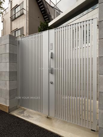 住宅の玄関の写真素材 [FYI01200179]
