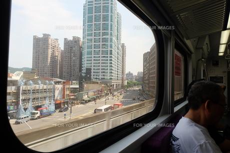 台湾 鉄道 車窓の写真素材 [FYI01200184]
