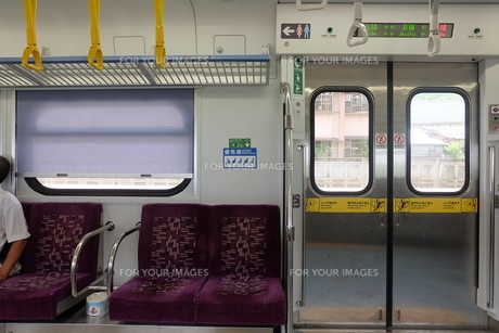 台湾 鉄道 車内の写真素材 [FYI01200186]