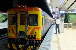 台湾 台北駅 鉄道の写真素材 [FYI01200196]