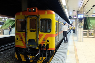 台湾 台北駅 鉄道の写真素材 [FYI01200197]