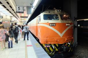 台湾 台北駅 鉄道の写真素材 [FYI01200198]