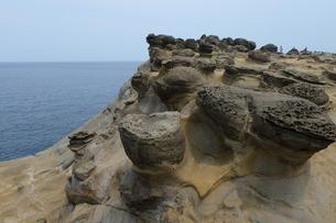 台湾 奇岩 深澳岬角(象鼻岩景觀區)の写真素材 [FYI01200211]