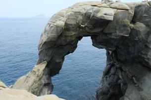 台湾 奇岩 深澳岬角(象鼻岩景觀區)の写真素材 [FYI01200212]