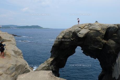 台湾 奇岩 深澳岬角(象鼻岩景觀區)の写真素材 [FYI01200214]