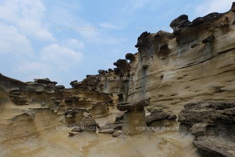 台湾 奇岩 深澳岬角(象鼻岩景觀區)の写真素材 [FYI01200225]