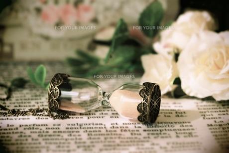 砂時計(レトロ風)の写真素材 [FYI01200487]