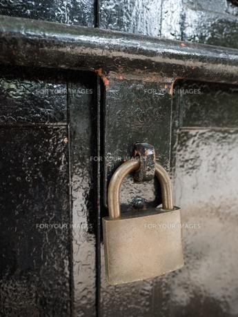 古い錠前の写真素材 [FYI01200511]