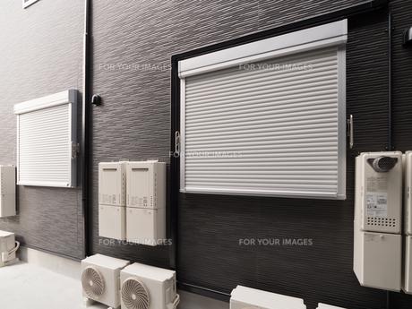 アパートの防火シャッターの写真素材 [FYI01200549]