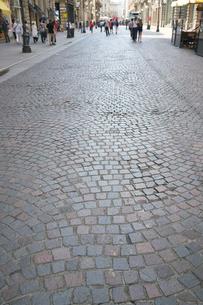 ミラノ ダンテ通りの石畳の写真素材 [FYI01200848]