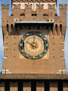 ミラノ スフォルツェスコ城の時計の写真素材 [FYI01200856]