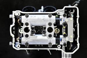 オートバイエンジンのシリンダーヘッドの写真素材 [FYI01200905]