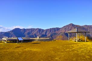 紅葉シーズンの三湖台の風景の写真素材 [FYI01200924]