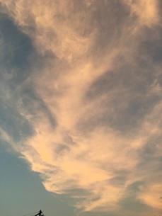 夕焼けの空の写真素材 [FYI01200945]
