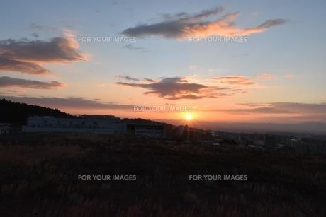 幻想的な夕焼け空の写真素材 [FYI01201124]