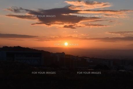 幻想的な夕焼け空の写真素材 [FYI01201125]