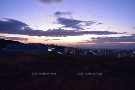 幻想的な夕焼け空の写真素材 [FYI01201127]