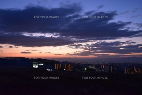 幻想的な夕焼け空の写真素材 [FYI01201128]