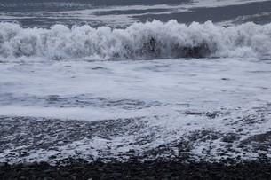 ビーチ ・ 波音の調べ 心に響く…の写真素材 [FYI01201419]
